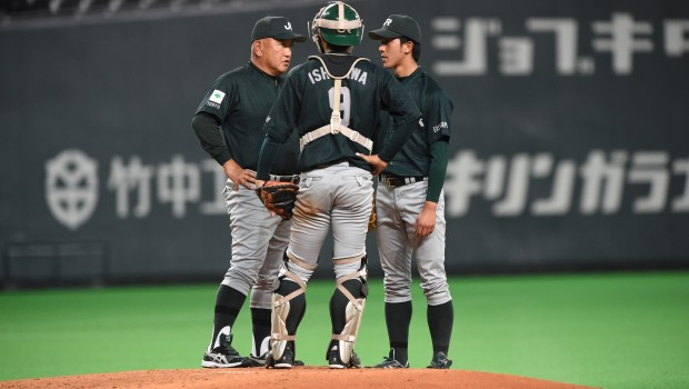 堀井哲也監督、石川修平、田嶋大樹(左から)
