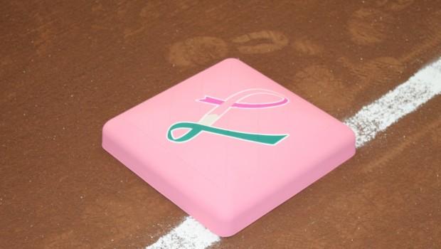 ピンク色のベース